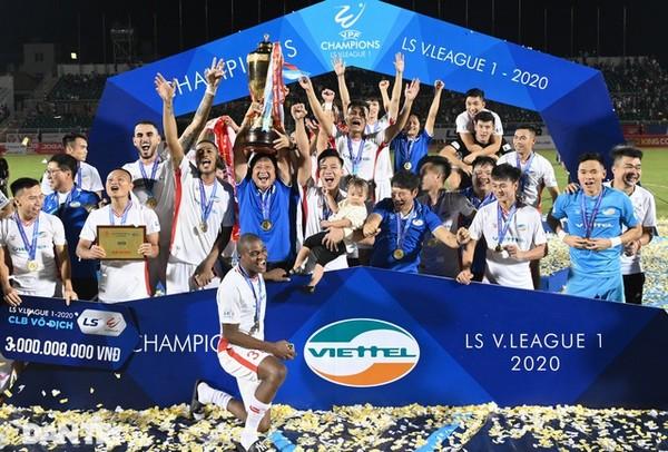 CLB Viettel vô địch V.League mặc Hà Nội đè bẹp Quảng Ninh