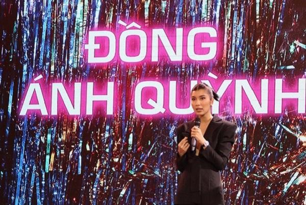 Ngô Thanh Vân nhường vị trí 'đả nữ' cho người mẫu Đồng Ánh Quỳnh