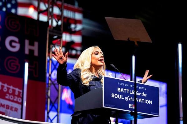 Lady Gaga kêu gọi bỏ phiếu cho Joe Biden