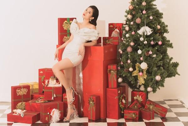 Hoa hậu Dương Yến Nhung chia sẻ chuyện tình yêu 'cô đơn' nhân dịp Giáng sinh