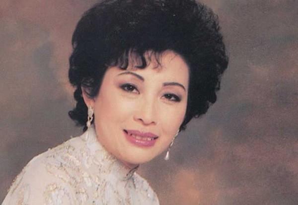 Danh ca Mai Hương - 'đóa hoa' của nền tân nhạc Việt qua đời ở tuổi 79
