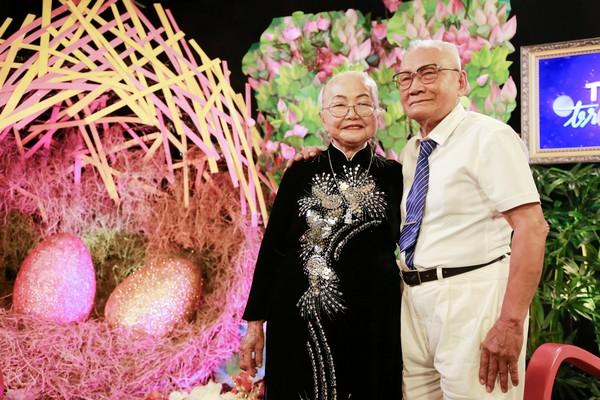 Vợ chồng cụ ông U90 chia sẻ bí kíp giữ gìn hôn nhân hạnh phúc