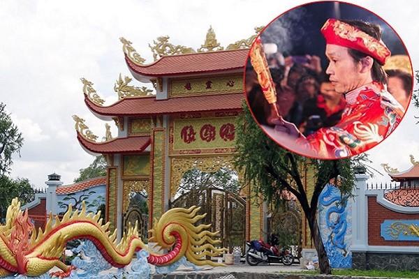 Vì dịch Covid-19, Hoài Linh đóng cửa nhà thờ dịp giỗ Tổ sân khấu