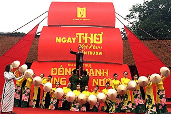 Hội nhà văn tiếp tục hoãn Ngày thơ Việt Nam lần thứ 2 vì dịch COVID-19