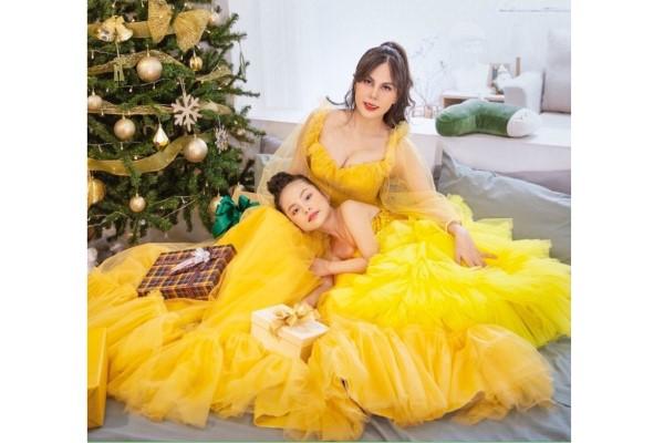 Hoa khôi Môi trường và 'Tiểu Jennie Việt Nam' với bộ ảnh mừng Giáng sinh