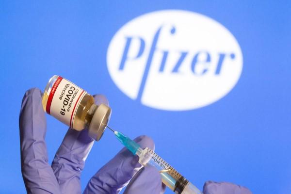 Mỹ triển khai tiêm vaccine Pfizer trong 'chưa đầy 24 giờ'
