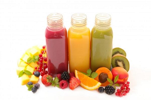 Uống nước ép trái cây sai cách gây nhiều tác hại