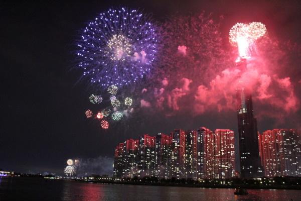4 điểm bắn pháo hoa mừng năm mới 2021 tại TP.HCM
