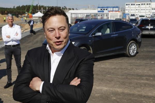 Elon Musk vượt Jeff Bezos, trở thành tỉ phú giàu nhất thế giới