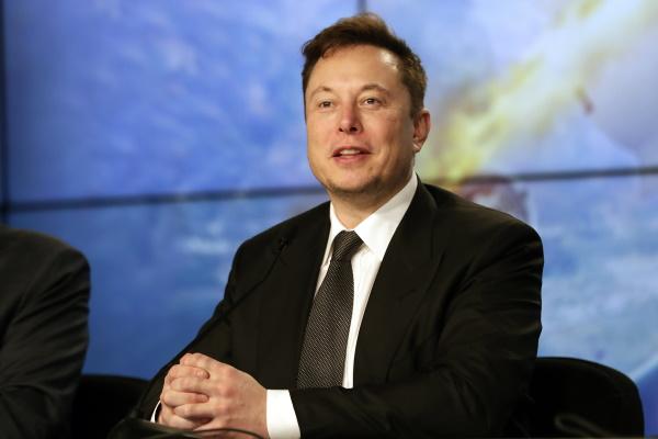 Elon Musk vượt Bill Gates trở thành tỷ phú giàu thứ 2 thế giới