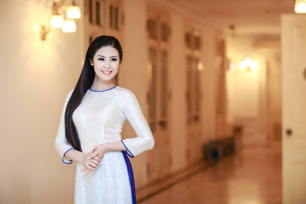 Hoa hậu Ngọc Hân chia sẻ công thức gội đầu bằng nước bồ kết
