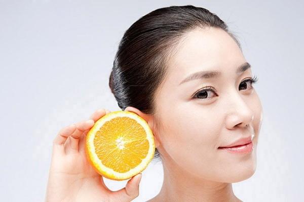 Hoa hậu H'Hen Niê chia sẻ cách giảm mụn đầu đen hiệu quả