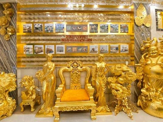 Giải mã ngôi nhà 'dát vàng' đang gây sốt ở Cần Thơ