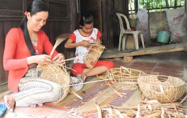 Khơi dậy nghề đan lát thủ công truyền thống