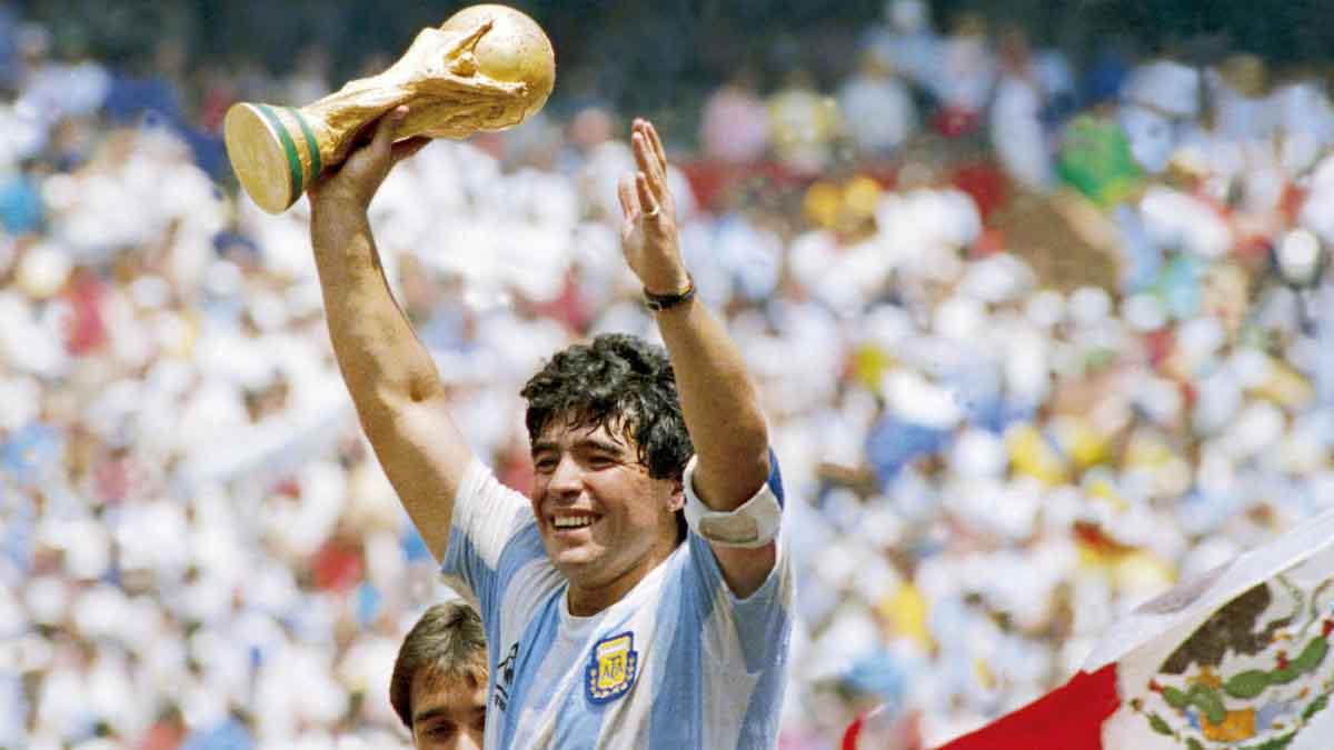 Huyền thoại Maradona qua đời, thế giới mất đi một trong những cầu thủ vĩ đại nhất