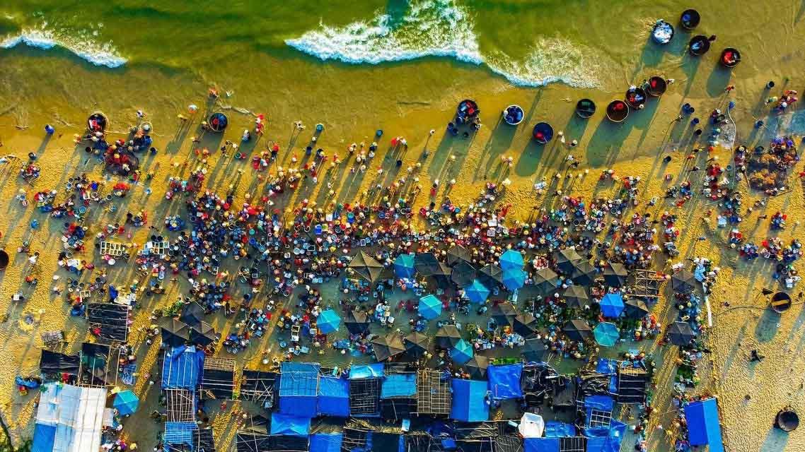 Chợ cá Tam Tiến, Cầu Vàng ở Việt Nam lọt top ảnh đẹp của Agora