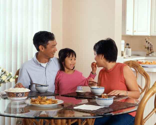 10 điều căn bản về ăn uống cha mẹ nên dạy con
