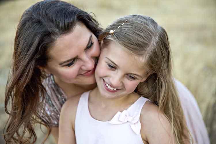 Những điều cha mẹ nên làm để bồi đắp nhân cách, tâm hồn và sức mạnh bên trong cho con gái