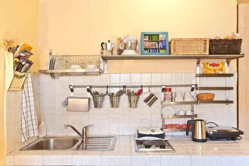 Nhà bếp trăm thứ vẫn gọn gàng rộng rãi nhờ 7 mẹo nhỏ