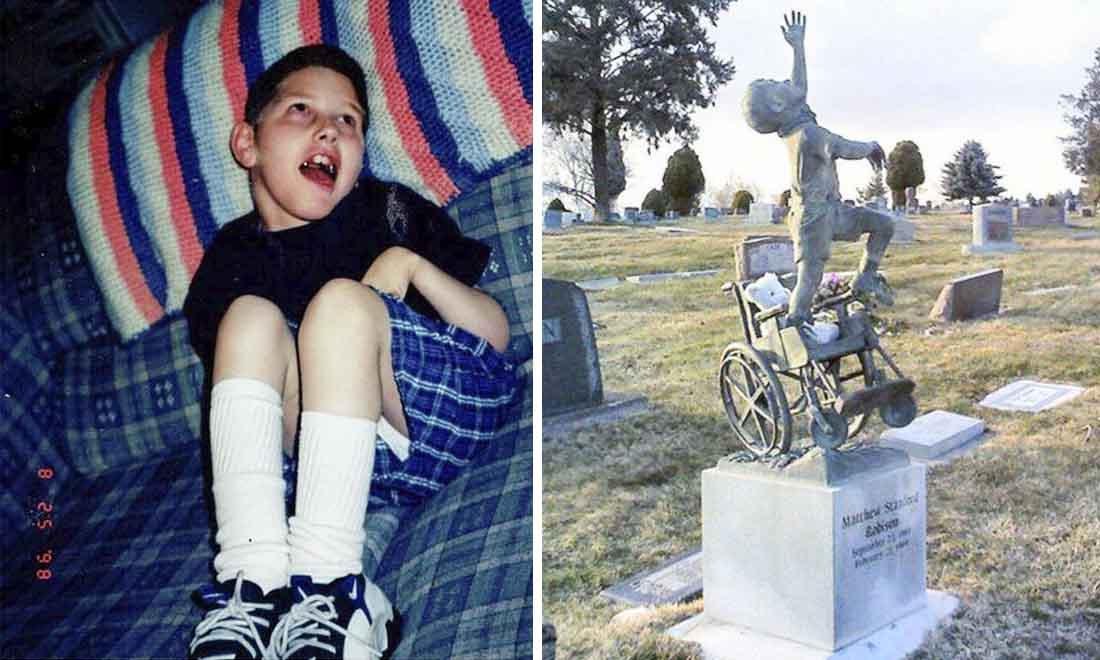 Bia mộ cậu bé vươn mình từ chiếc xe lăn và câu chuyện cảm động về người con tật nguyền