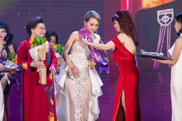Hoa hậu thời trang Kim Sỹ: 'Vượt lên chính mình luôn là niềm hạnh phúc...'