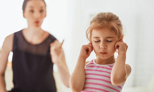 Phân biệt kỷ luật và trừng phạt trong nuôi dạy con cái