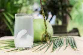 Những mẹo hay trị bệnh từ nước dừa