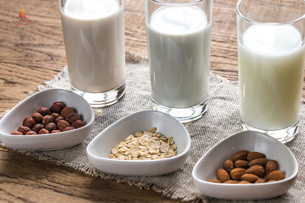 Gợi ý 5 công thức làm sữa hạt phù hợp cho trẻ