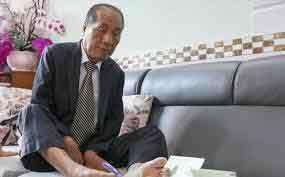 Thầy giáo Nguyễn Ngọc Ký và một cuộc đời dùng nghị lực như ngọn lửa thắp sáng tin yêu