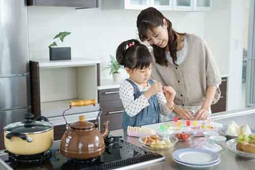Dạy con biết làm việc nhà cần chuẩn bị những gì?