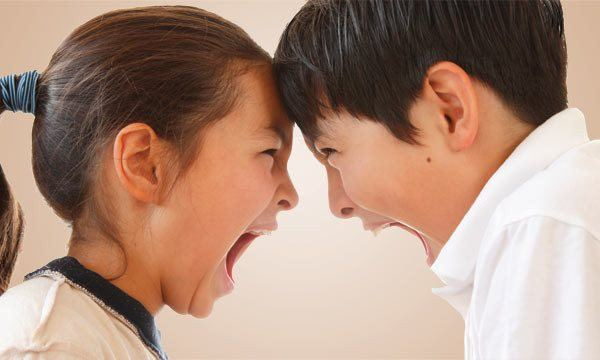 Dạy con kỹ năng giải quyết xung đột với bạn bè, không nên để quá muộn