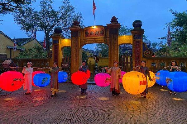 Đến Hội An chụp hình với 1.000 lồng đèn đầy màu sắc