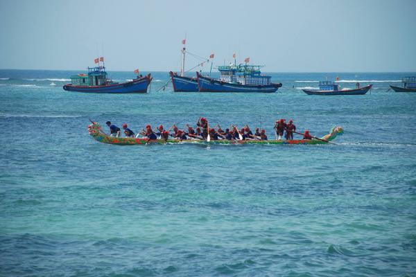 Lễ hội đua thuyền Tứ linh đón nhận Di sản văn hóa phi vật thể