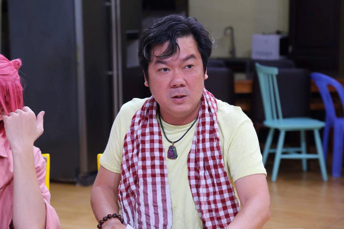 Đạo diễn Chánh Trực: 'Nghệ sĩ nên nhường gói trợ cấp COVID-19 cho người nghèo, người bán vé số, hàng rong'