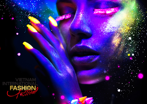 Gần 400 người mẫu sải bước trên sàn diễn Vietnam International Fashion Festival