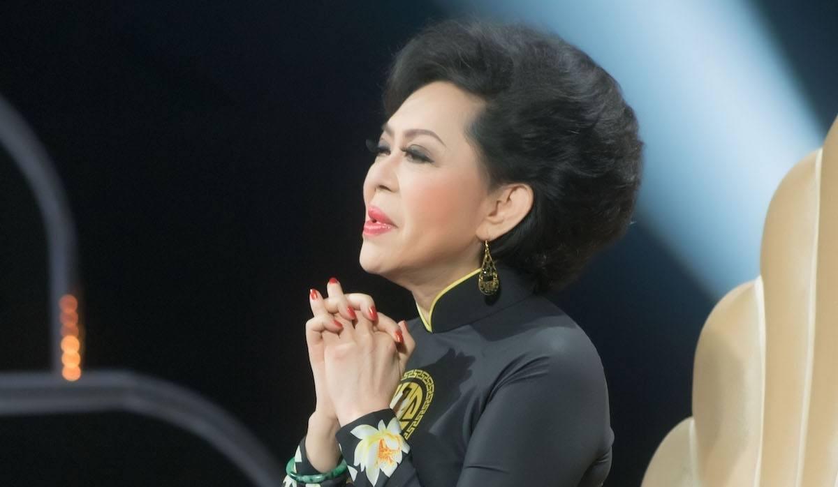 Danh ca Giao Linh tiễn biệt chồng bằng bài hát 'Ai cho tôi tình yêu'