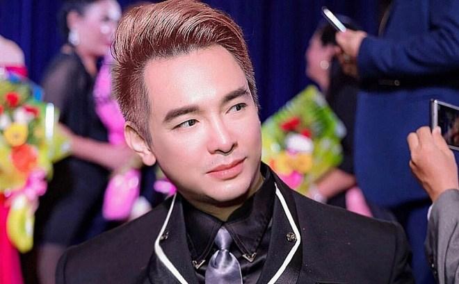 Ca sĩ Việt Quang qua đời ở tuổi 44