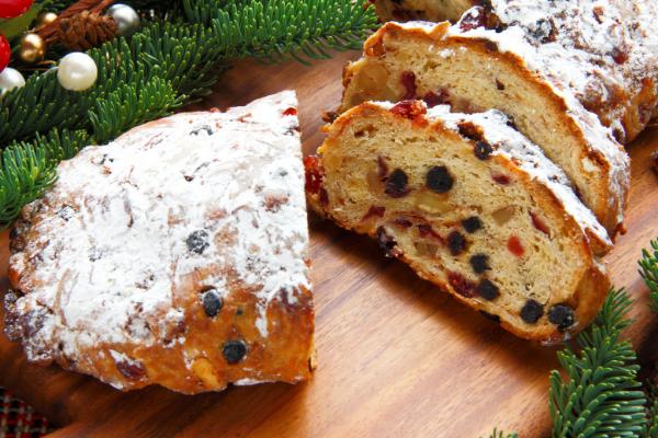Đón giáng sinh với bánh Stollen thơm ngon đặc trưng của nước Đức