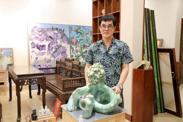 """Triển lãm """"Giấc mơ siêu thực"""" của họa sĩ Đinh Phong sẽ kéo dài đến hết ngày 20/4"""