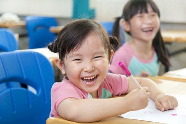 Giúp con giữ tâm trạng vui vẻ đến trường mỗi sáng