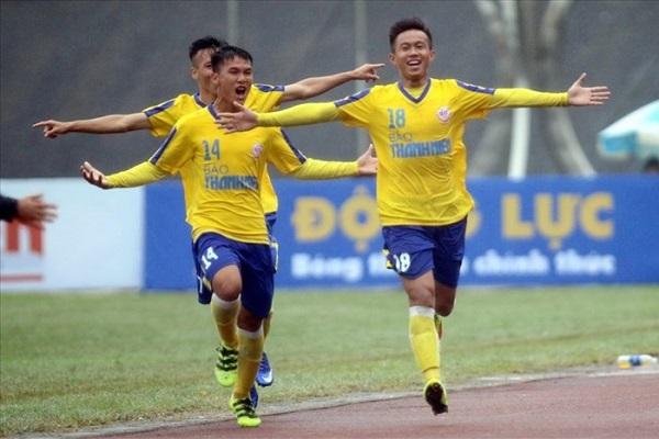 'Đua nhau' sút hỏng luân lưu, U19 Hà Nội 'dâng' ngôi vô địch cho U19 Đồng Tháp