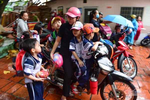 Cùng ngắm hình ảnh 5 bé sinh năm đầu tiên của Việt Nam vào lớp Một