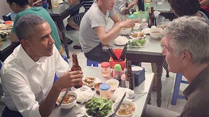 Đầu bếp Bourdain người ăn bún chả cùng ông Obama tại Hà Nội đã tự sát