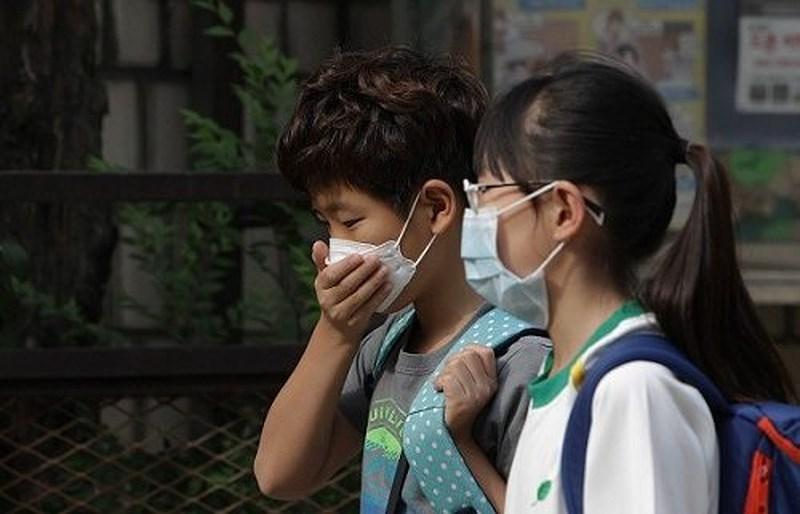 Nghi cơ thể nhiễm cúm A H1N1, bạn nên làm gì trước tiên?