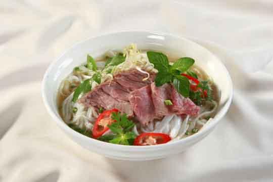 """Phở Việt được bình chọn là một trong những món ăn """"đỉnh"""" nhất thế giới"""