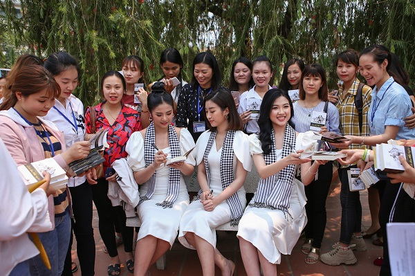 Hành trình từ trái tim: Vượt đèo lội suối đến với huyện Mường Tè