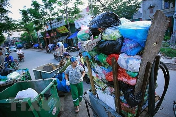 'Hãy cứu biển' - Triển lãm ảnh đầu tiên về rácthải nhựa