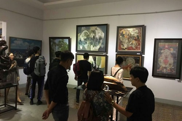 Triển lãm sáng tác mỹ thuật TP HCM đang trưng bày 175 tác phẩm