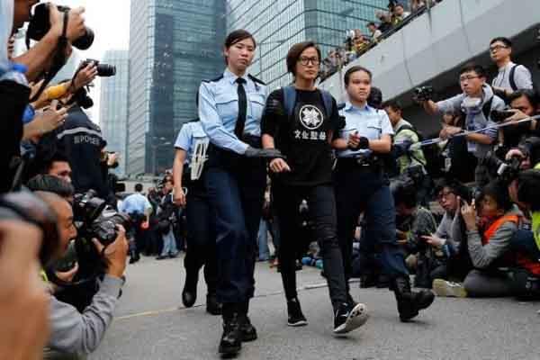 Nữ cảnh sát Hồng Kông xin thôi việc vì không muốn trấn áp biểu tình