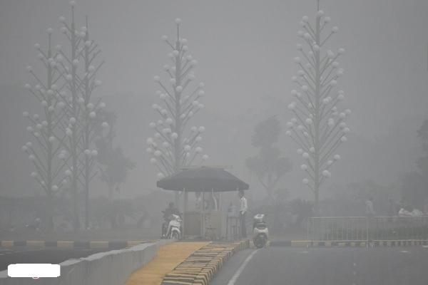 Bộ Y tế khuyến cáo trước tình trạng ô nhiễm không khí tại Hà Nội